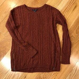 American Eagle crew neck cable knit sweater